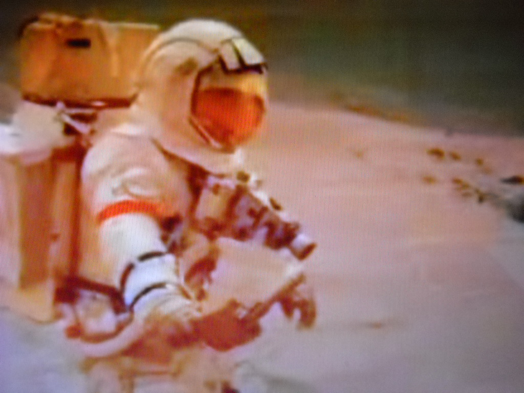 "An Aldrin's EVA on the martian surface? Snaphot of the first manned mission to Mars (Project Redsun) - source: ""bravoxsierra24"", Luca Scantamburlo's contact - Photo spread in April 2011"